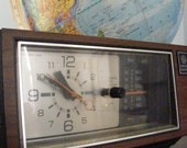 The Perfect Vintage Clock Radio by GE