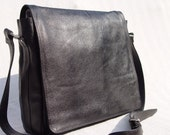 Men Leather Messenger Laptop Travel Bag in Black
