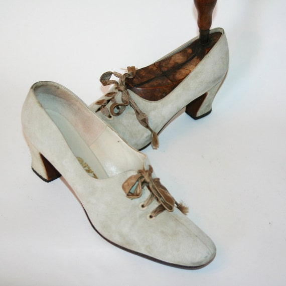 vintage 1950s neutral tan brushed suede leather lace up oxford bootie dress shoes heels mad men party size 8/9 women