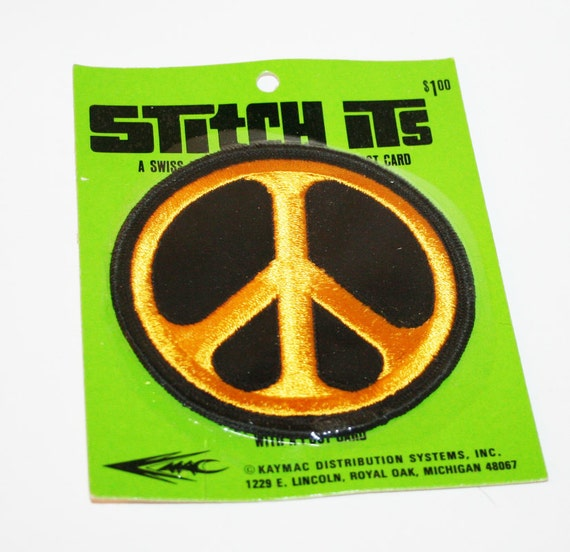 vintage 1970s  PEACE SIGN hippie love protest sit in embroidered patch novelty sew on unisex postcard