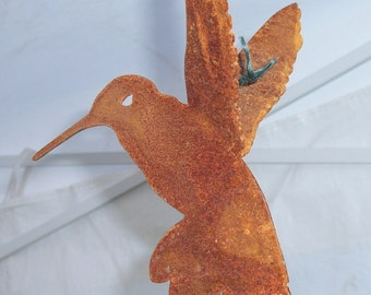 Rusty Metal Hummingbird, metal bird sculpture, metal yard art, rusty bird, outdoor metal art, rusty hummingbird, metal garden art