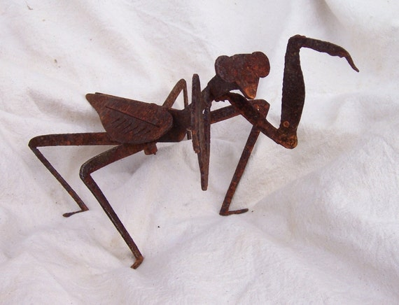 Metal Praying Mantis, metal insects, metal garden sculpture, metal garden art, insect sculpture, metal yard art