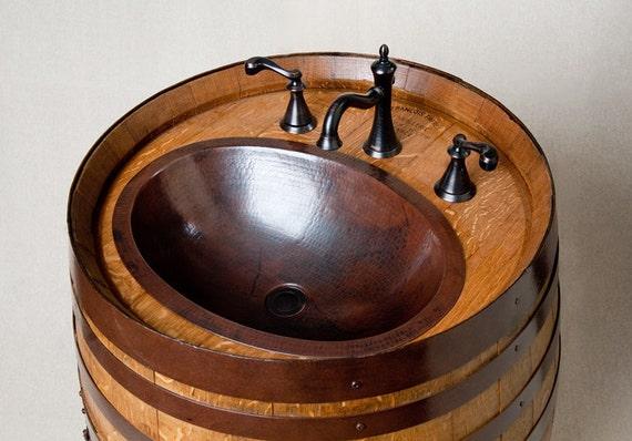 tonneau de vin vanit avec vier en cuivre par. Black Bedroom Furniture Sets. Home Design Ideas