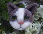sweet kitty needle felted cat pin