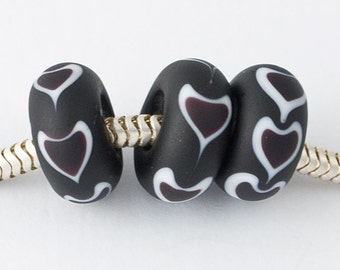 Black Heart Charm Beads