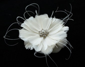 Bridal Fascinator, Wedding Hair Accessory, Bridal Feather Head Piece, Ivory Feather Flower Hair Clip - MARIA