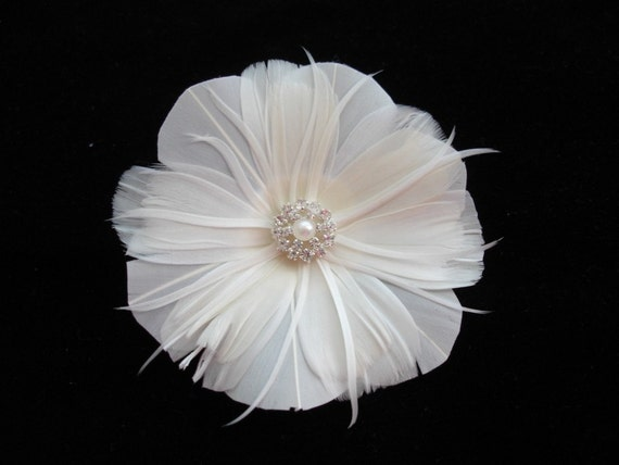 Ivory Floral Hairclip