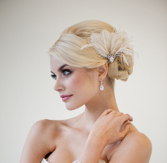 Bridal Fascinator, Wedding Head Piece, Feather Fascinator, Ivory Feather Hairclip - CALI