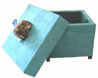 Turquoise UltraSuede Box with Ruby Matrix and Swarovski Sapphire