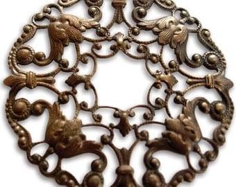 Vintaj Ornate Wreath Filligree