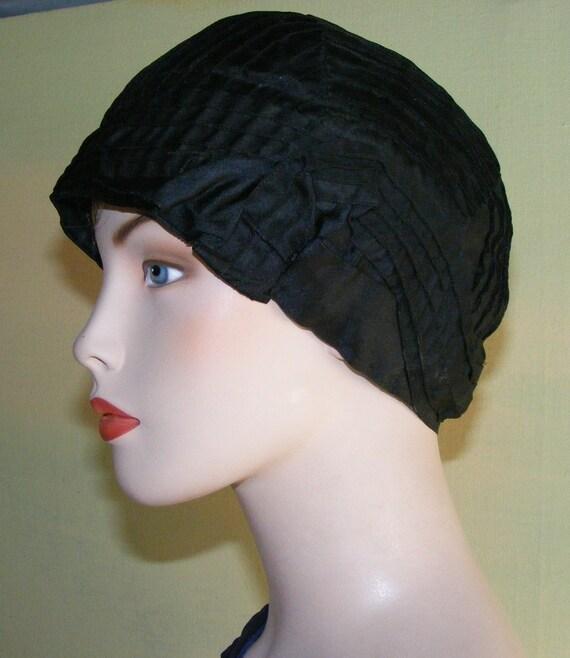 "1920s Flapper Cloche Hat Pin Tuck Black Silk  22"""