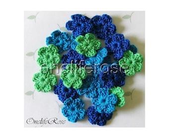 15 pieces Mini Crochet Flowers BLUESS