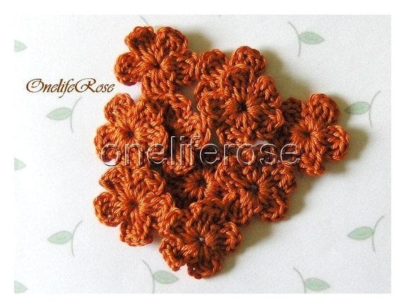 15 pieces Mini Crochet Flowers (RedBrown00210)