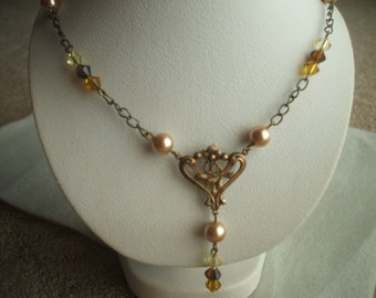 Antique Gold Necklace with Yellow and Brown hues