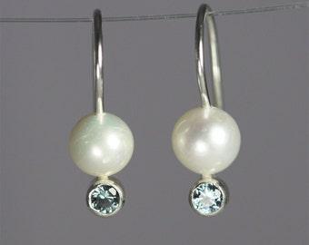 Pearl Drop Ear w-Stone (Blue Zircon)