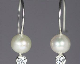 Pearl Drop Ear w-Stone (Cubic Zirconia)