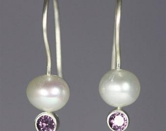 Pearl Drop Ear w-Stone (Alexandrite)
