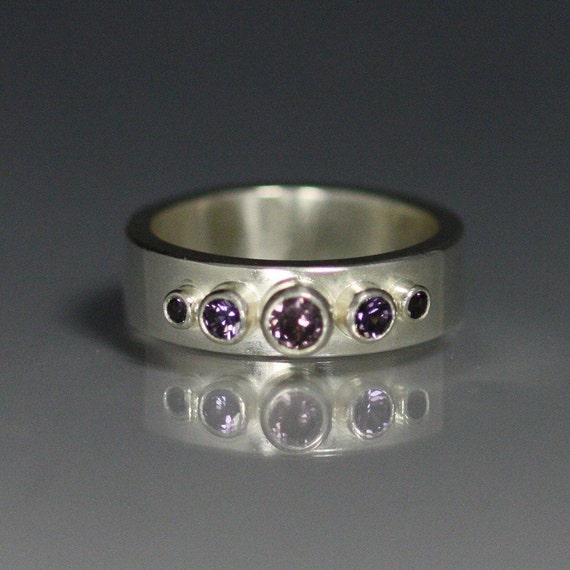 5 Stone Crown Ring (Amethyst) size 7.5