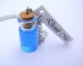 Alice in Wonderland / Drink Me / Necklace YOU CUSTOMIZE