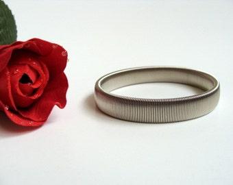 Vintage Stretch Bracelet. Stretchy Silver Tone Bracelet.