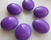 purple color Egg Shape Oval Beads - Beading supplies - vintage lucite great color beads - perfect for retro style jewelleries