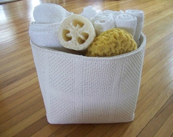 free shipping - vintage white knit blanket basket - large - storage - organization - gift basket / storage basket  - large basket - fabr