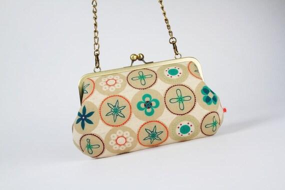 Little handbag - Retro dots in winter - metal frame purse with shoulder strap
