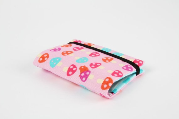 Card holder - Mushrooms on pink