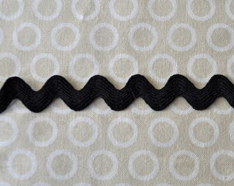 Black Ric Rac trim - 1/2 half inch wide (13 mm) - 5 yards