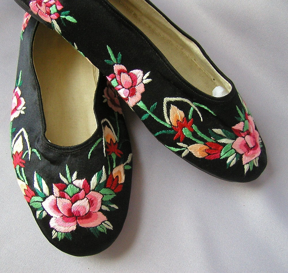 40s Vintage Shoes Silk Chinese Slippers 1940s Embroidered