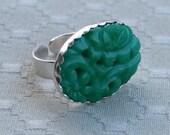 jade flower fields - vintage glass ring