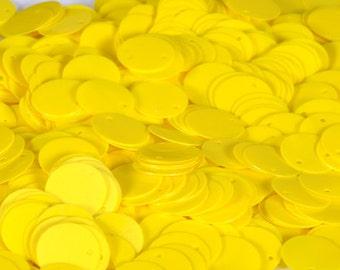 100 pcs  sequins.......Yellow color circle
