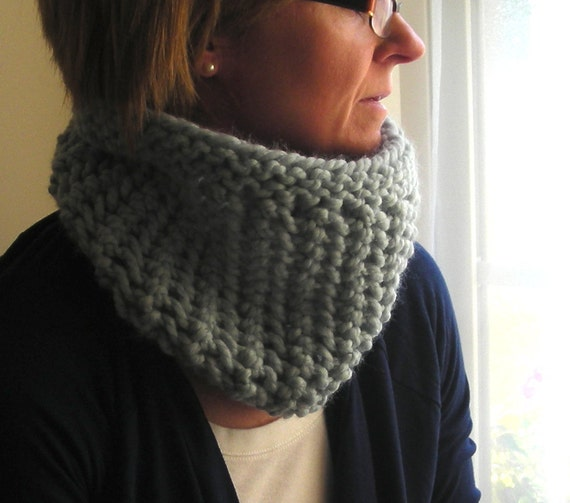 Bulky Knit Cowl Pattern : Cowl Knitting Pattern Winter Lace Cowl quick and easy knit