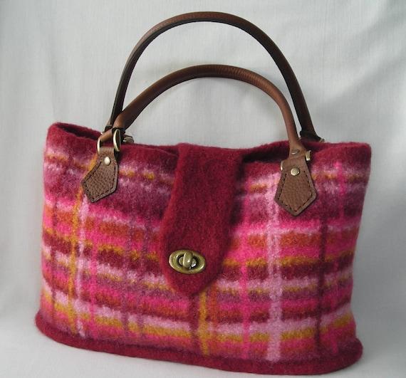 Knitting Pattern PDF  - Felted Wool Portland Plaid Bag - hand knit purse handbag - two sizes - includes tutorial on making a fabric lining