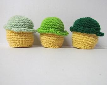 Amigurumi Crochet Yellow Cupcake~Play Food~Children's Kitchen Play Food~Crochet Dessert Play Food~Birthday Gift, Favors~Photo Prop~Toy