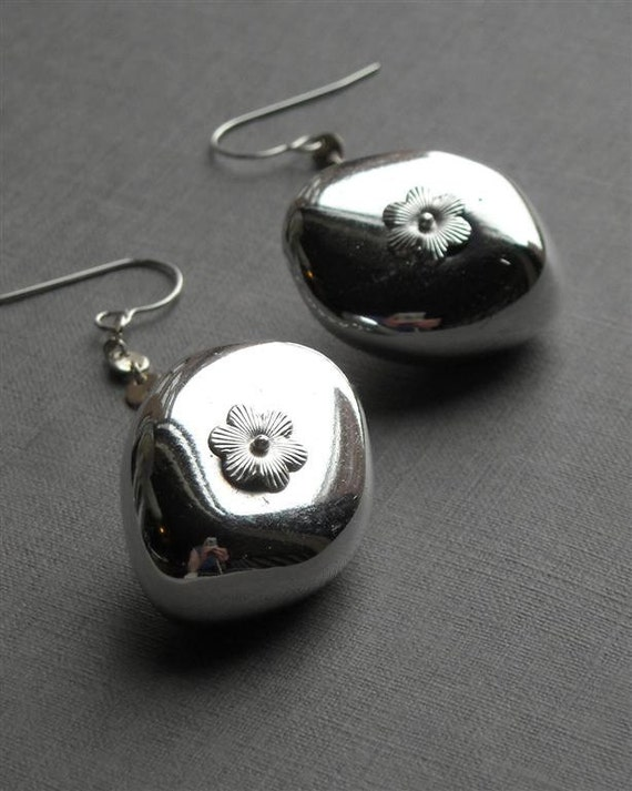 SALE - puddle earrings - vintage lucite and sterling