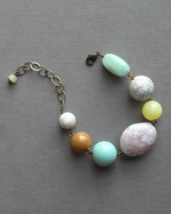 painting eggs bracelet - vintage lucite and brass