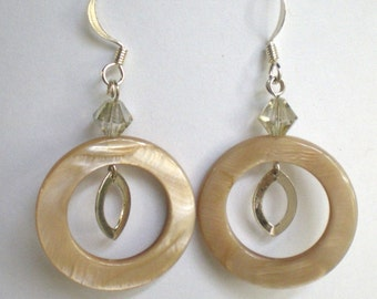 Mother-of-pearl hoop earrings