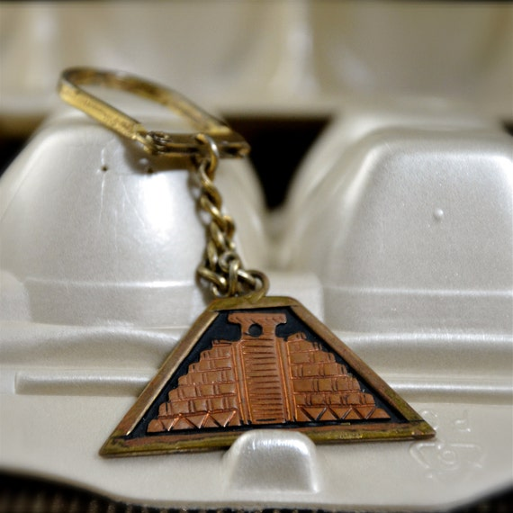 Mayan or Inca or Aztec Temple Pyramid  Key Chain