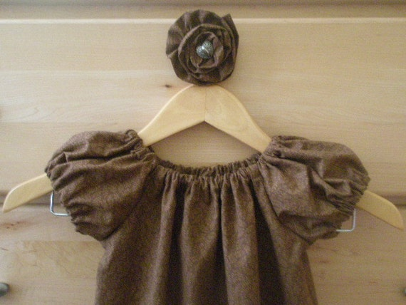 Peasant dress size 3T  with matching flower alliagtor clip barrette