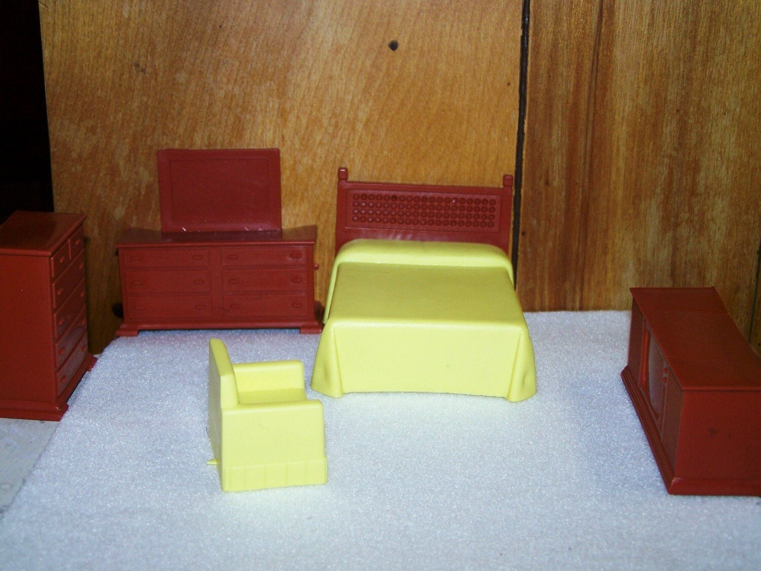 Vintage Plastic Dollhouse Furniture Yellow And Brown Bedroom