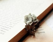 a rose bouquet lace ring in dusty grey