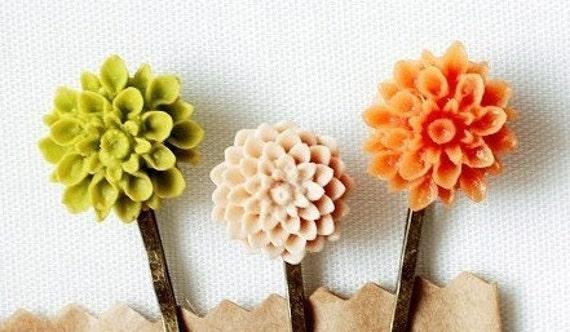 paradise (carnival des fleurs) vintage flower hair pin / clips .