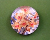 Spring Daffodil Mini Round Glass Paperweight Home Decor