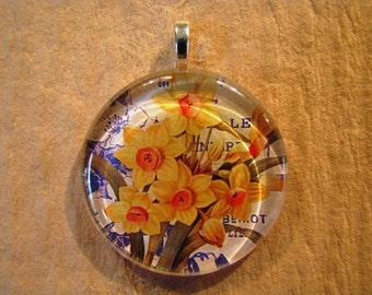 30% OFF Yellow Spring Daffodil Floral Larger Round Glass Pendant March Birthday