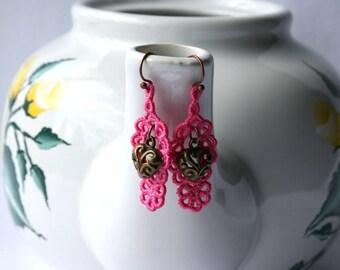EARRINGS - Daisy Open - chandelier - Dark Pink - Heart - Free Standing Lace Embroidery