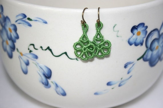 EARRINGS - Daisy  - Pea Green - Free Standing Lace Embroidery - Small