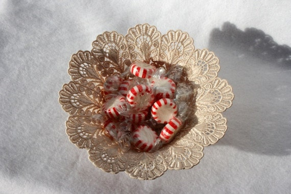 SCALLOPED BOWL - Candy Dish - Holidays - Home Decor - Taupe - Decoration - Free Standing Lace Embroidery - medium