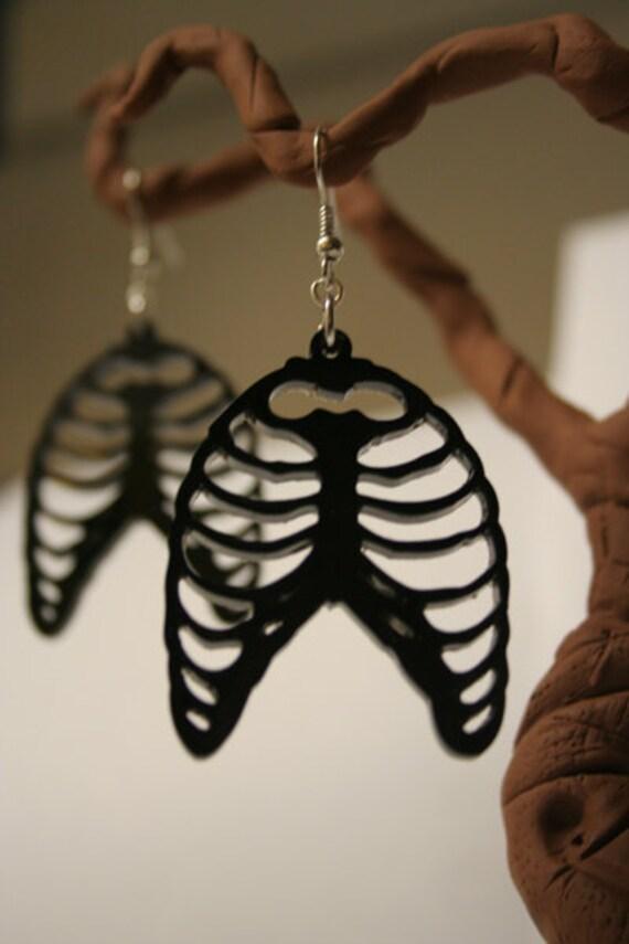 Resin Anatomical Rib Cage Earrings - Black