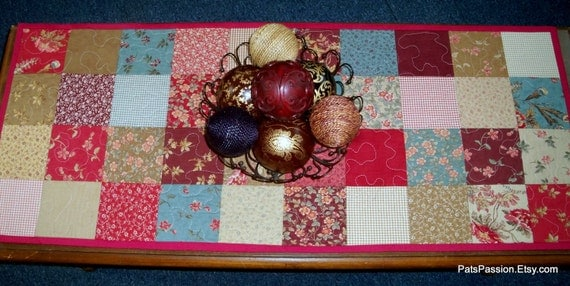 Antique Fair Quilted Table Runner   Ready to Ship